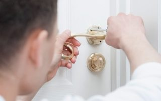 cerrajero de urgencia para cerradura atascada o que no funciona